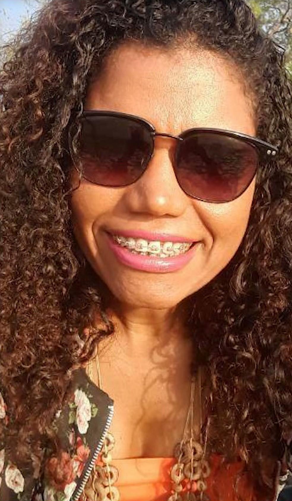 Corpo encontrado na UFMA era de Rosiane Costa. Segundo a Polícia Civil, ela tinha 45 anos e era professora em um povoado em Alcântara — Foto: Reprodução/TV Mirante