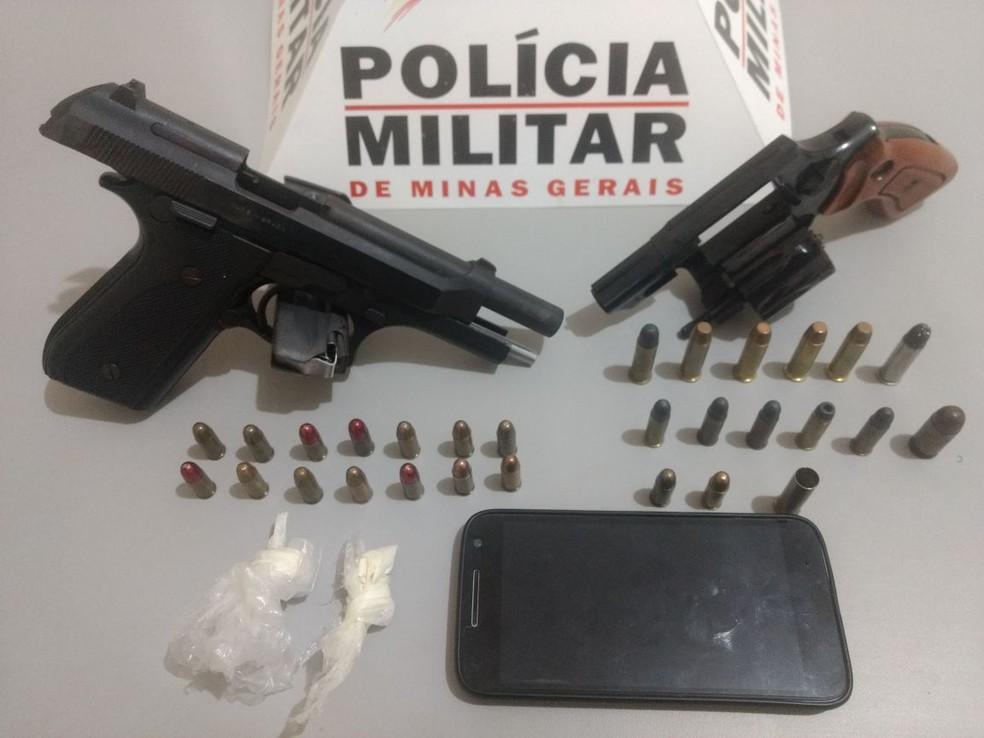 Material foi encontrado em uma casa no Bairro Nilton Júnior (Foto: Polícia Militar/ Divulgação)