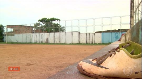 Polícia investiga o assassinato de seis jovens em campo de futebol de Manaus (AM)