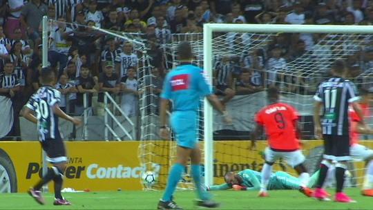 Fernando Diniz admite falta de jogos, mas valoriza atuações do Atlético-PR