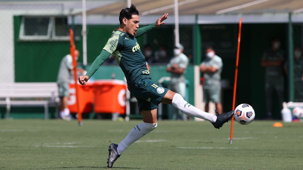Gustavo Gómez no treino desta segunda no Palmeiras — Foto: Cesar Greco\Palmeiras