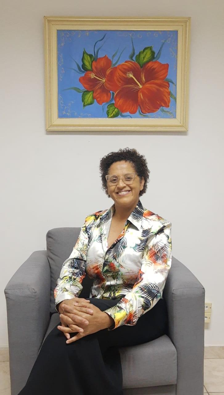 Vítima de violência doméstica, assistente social transforma dor em luta para ajudar outras mulheres