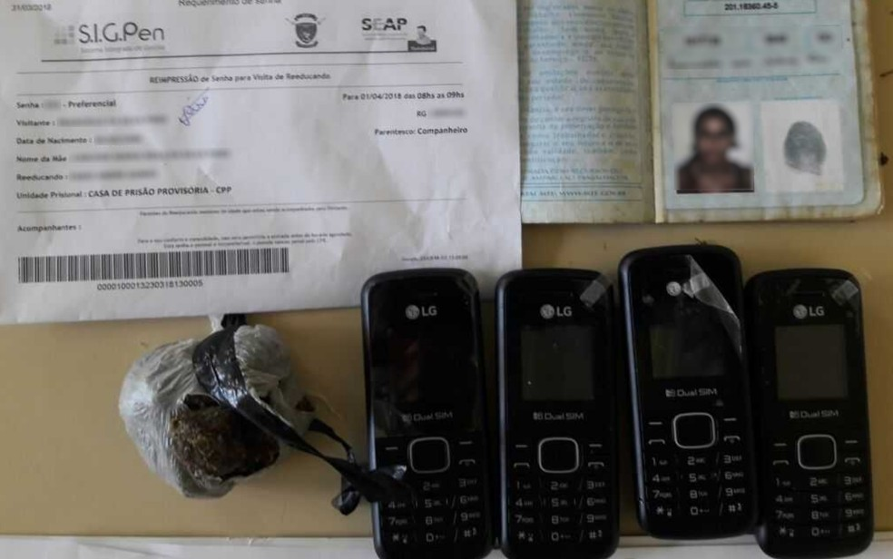 Celulares e droga foram apreendidos com grávida na CPP (Foto: DGAP/Divulgação)