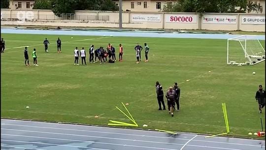 """Após atendimento a Biro Biro, do Botafogo, médico afirma: """"Ele está muito bem, lúcido e estável"""""""