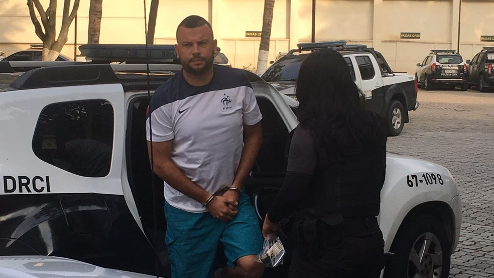 Presidente da Raça Fla é preso (Foto: Fernanda Rouvenat / G1)
