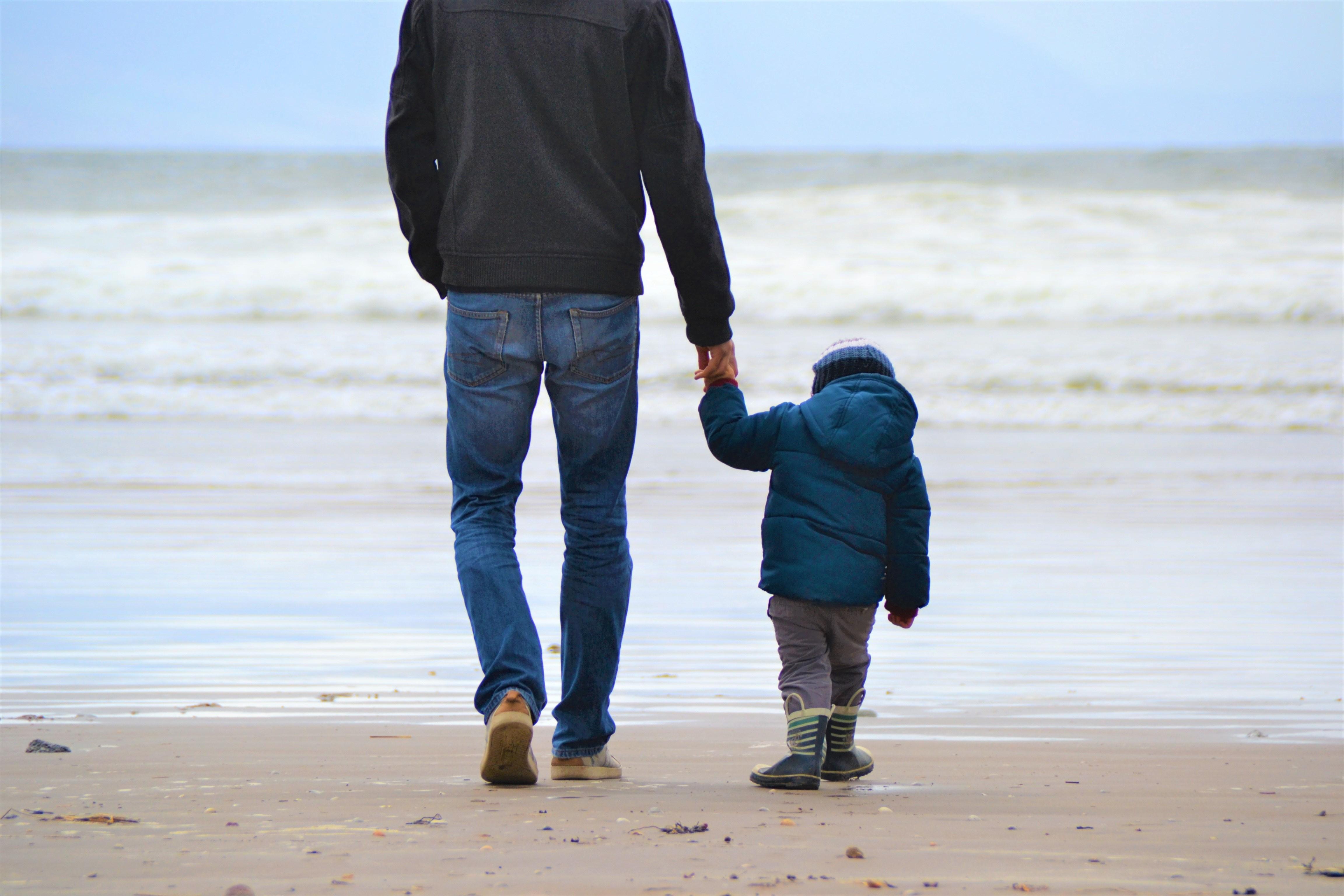 O que é a parentalidade positiva, corrente que defende a criação 'firme e gentil' das crianças - Notícias - Plantão Diário