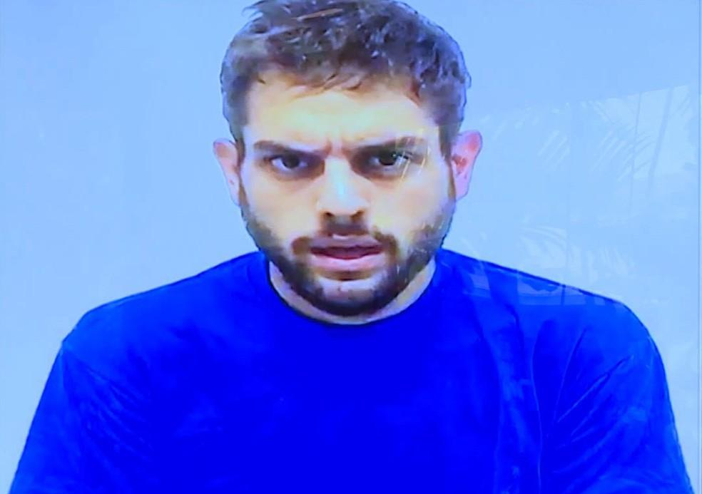 -  Imagem retirada de vídeo divulgado pelo governo da Venezuela mostra o deputado opositor Juan Requesens em declaração na prisão em que admite particip