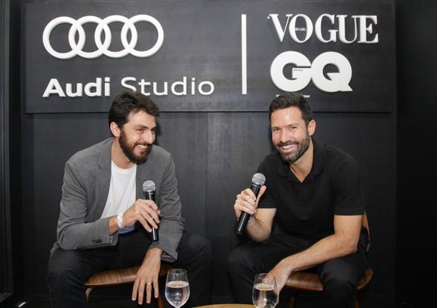 Guilherme Manechini e Fabio Seixas no lounge de GQ e Vogue (Foto: Marco Estrella)
