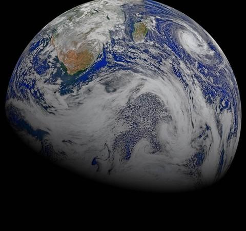 """Terra pode estar no """"campo de visão"""" de diversos exoplanetas, sugere estudo"""