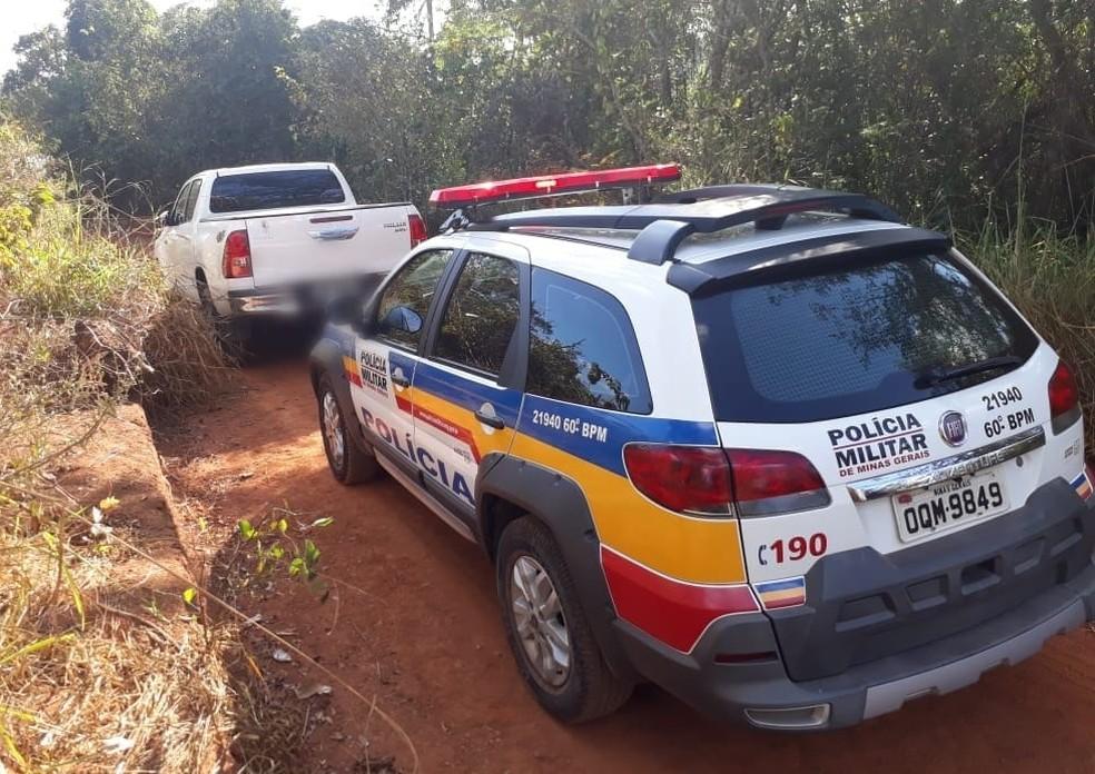-  Vítima foi libertadas em uma estrada vicinal próximo a Leandro Ferreira  Foto: Polícia Militar de Nova Serrana/Divulgação