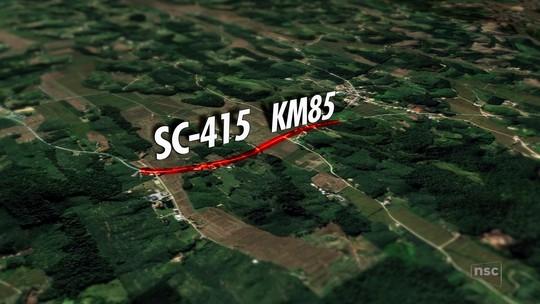 Trecho da SC-415 é interditado para obras de reparo na pista por causa de erosão