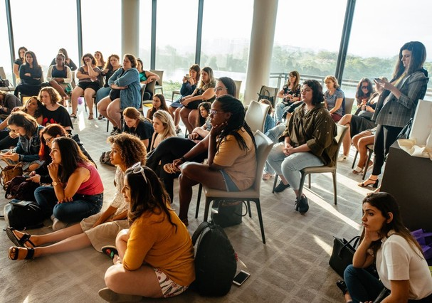 Bate-papo sobre maternidade (Foto: Futilidades / Divulgação)