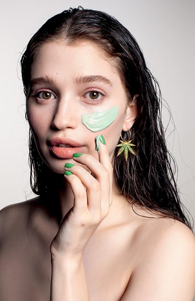 Beleza maconha - O ativo de Skincare da vez vem da maconha  (Foto: Carlos Bessa)