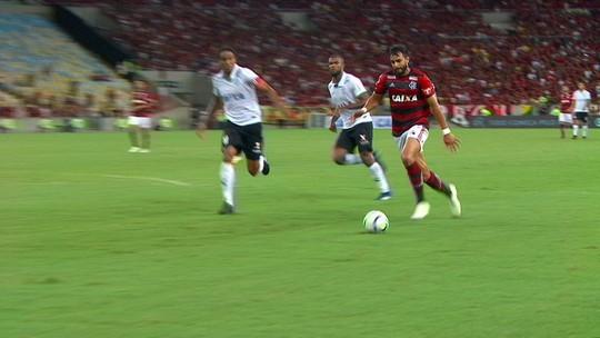 Enderson lamenta derrota e fica na bronca por pênalti, mas elogia atuação do Coelho