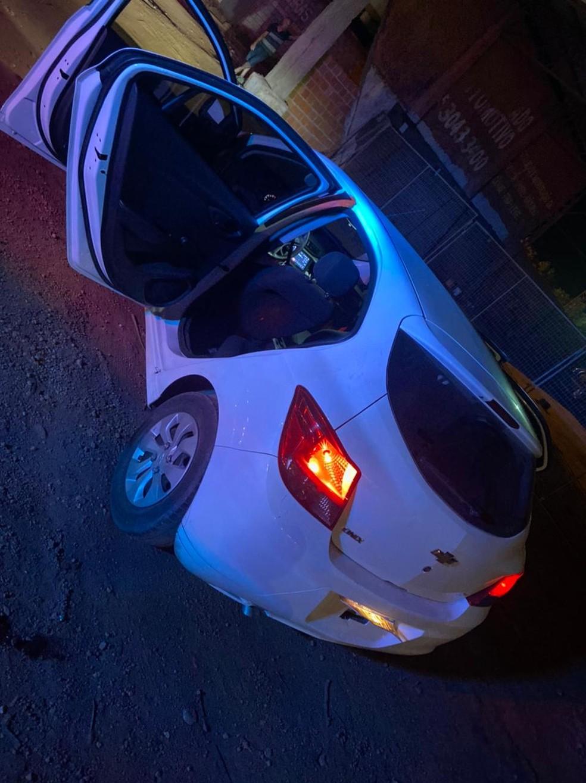 Dois assaltantes morrem em confronto com policiais após sequestro de motorista em Várzea Grande — Foto: PMMT