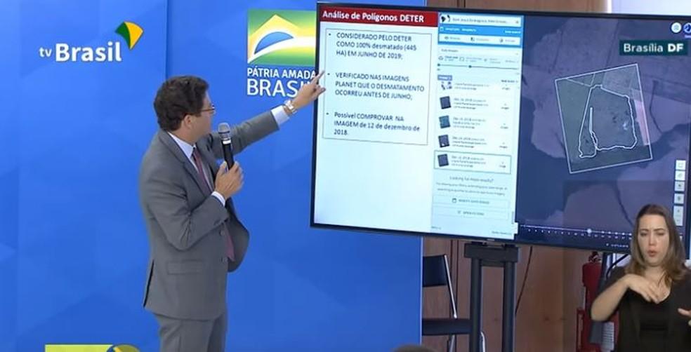 Ministro Ricardo Salles utilizou em 1º de agosto dados dos satélites Planet para criticar alertas do Inpe. — Foto: Reprodução/TV Brasil