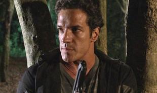 Na segunda-feira (1º), Tereza Cristina (Christiane Torloni) vai ameaçar Ferdinand (Carlos Machado) para que ele coloque fogo na mansão de Griselda (Lilia Cabral) | Reprodução