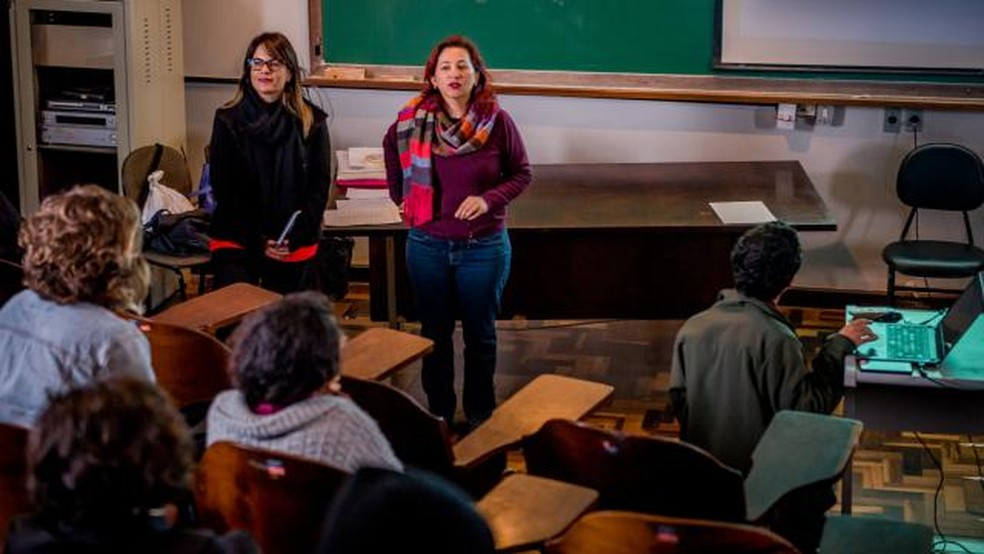 As professores da UFPR Juliana Bueno e Carolina Calomeno (Foto: Divulgação/UFPR)