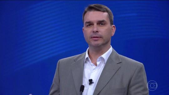 Coaf aponta que Flávio Bolsonaro recebeu 48 depósitos suspeitos em 1 mês, no total de R$ 96 mil