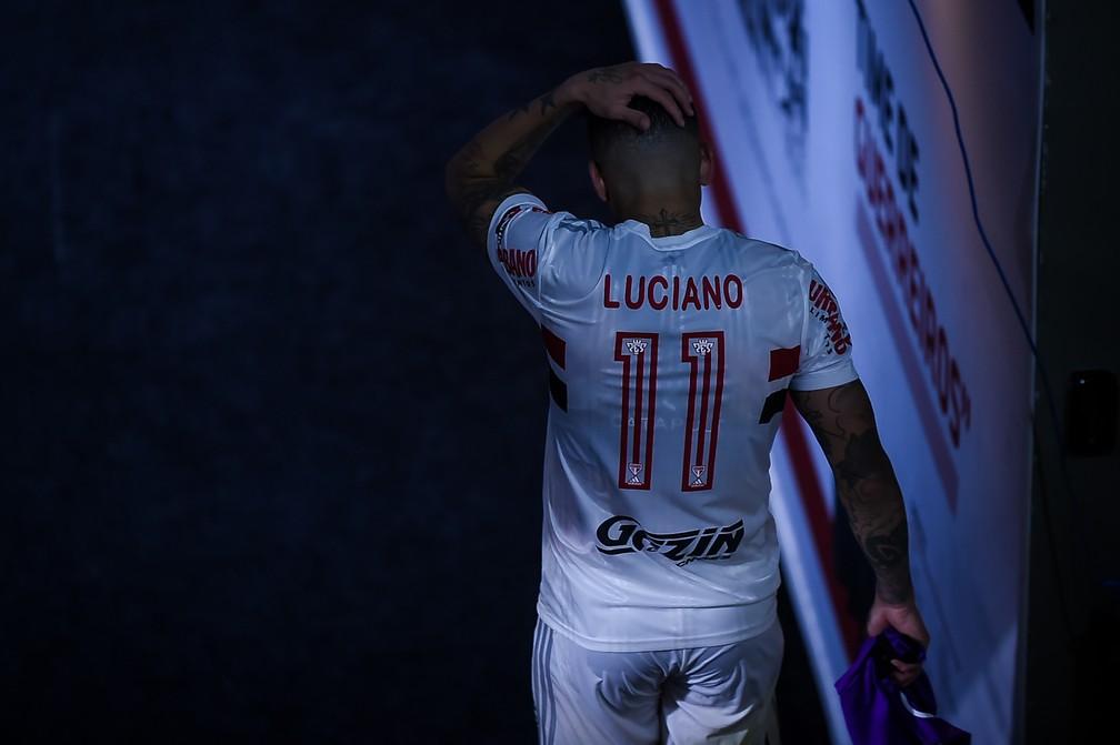Luciano deixa gramado do Morumbi desolado — Foto: Staff Images / CONMEBOL