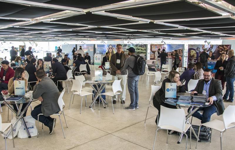 Turismo de negócios cresce em Curitiba e atrai 2,3 milhões de visitantes, diz prefeitura - Notícias - Plantão Diário