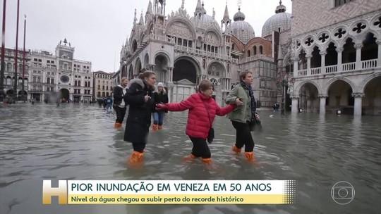 Maior maré alta desde 1966 afeta Veneza, na Itália