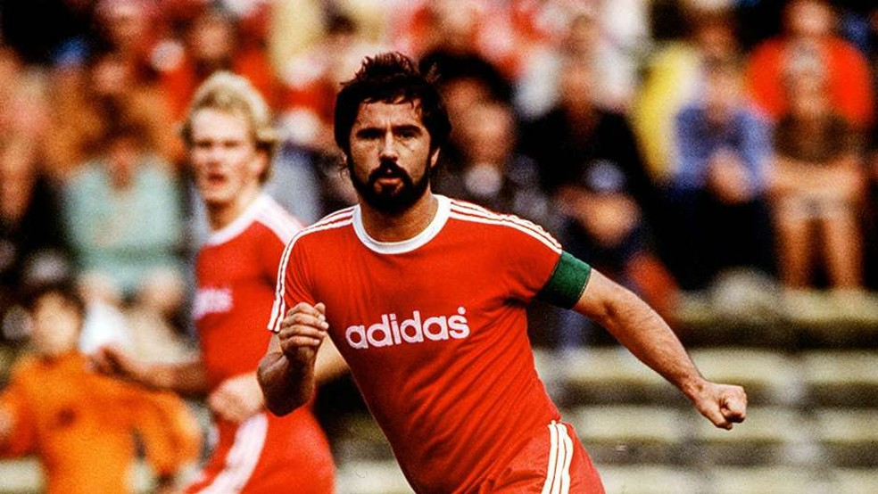 Maior artilheiro da história do Campeonato Alemão, Gerd Müller fez história pelo Bayern de Munique — Foto: Site Oficial