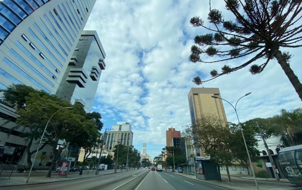 Medidas restritivas buscam diminuir números da Covid-19 em Curitiba.— Foto: Lucas Sarzi/G1 PR