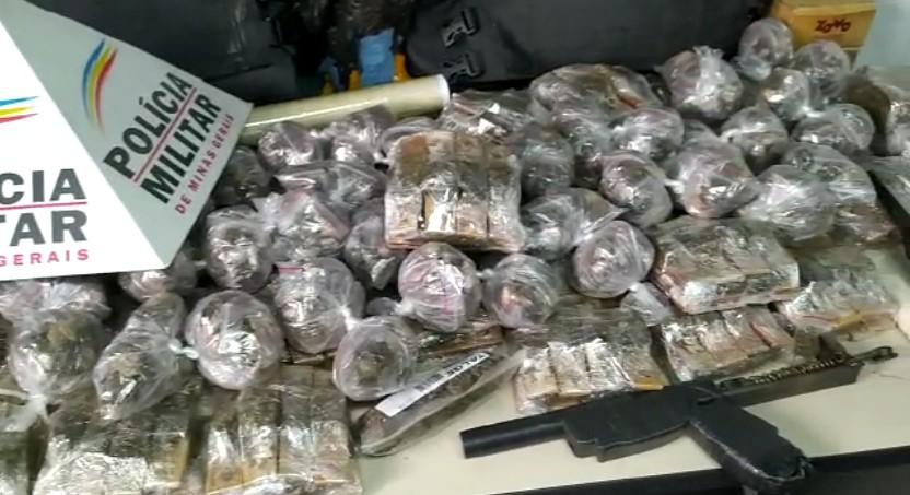 Homem é preso com drogas em aglomerado da Região do Barreiro