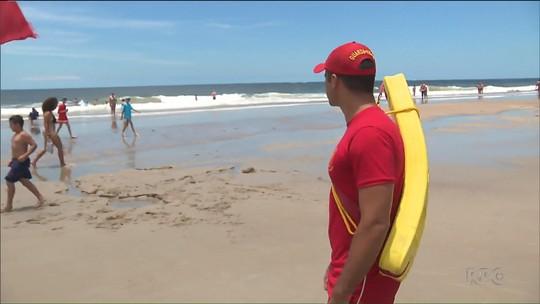 Bombeiro de folga salva quatro pessoas no litoral do Paraná