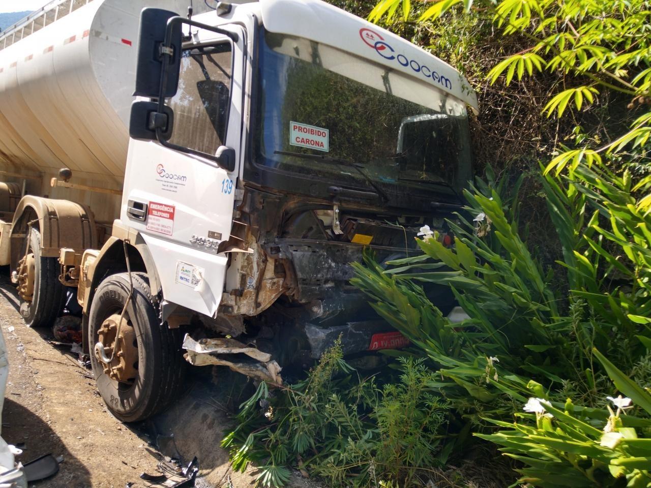 Motorista morre após colisão frontal com caminhão no Oeste de SC
