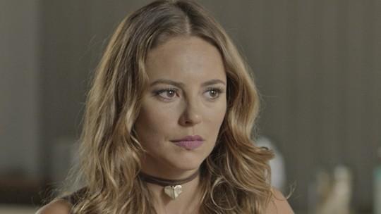Melissa procura Roberto e implora por exame de DNA