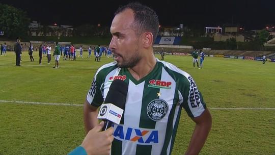 Simião lamenta fase do Coritiba e pede ânimo para últimas partidas na Série B