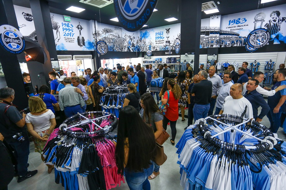 Nova Loja do Grêmio tem mais de 450 metros quadrados de área — Foto: Lucas Uebel/Divulgação Grêmio