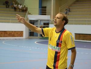 Mauricinho, técnico do Botafogo/Casa de España (Foto: William Von-Held/FutsalRio)
