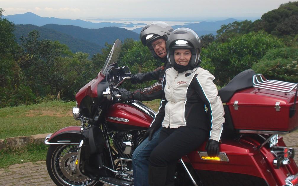 b6dbc0157 ... Antonio Chueco Filho e Angela Chueco em uma das viagens pelas serras do  Sul do Brasil