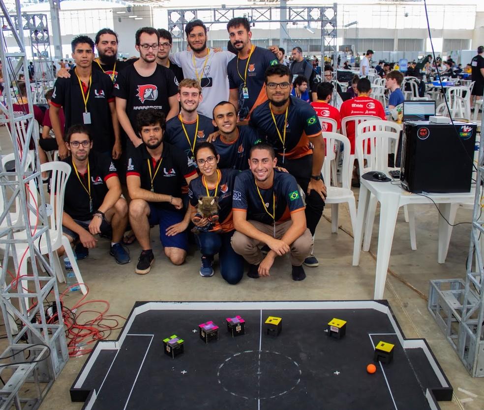 Grupo de robótica da USP conquistou quarta colocação na categoria para robôs de muito pequeno porte — Foto: Henrique Megid/Warthog Robotics/Divulgação