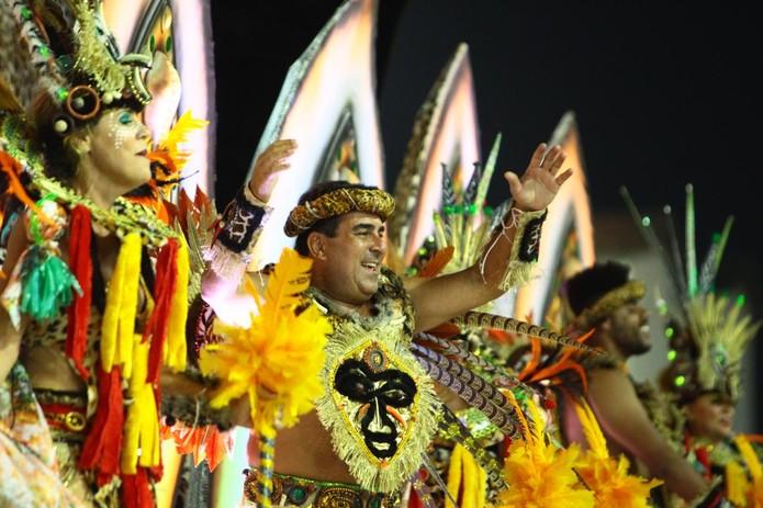 Agremiação busca o terceiro título e apresentou um samba-enredo que traz as raízes do samba — Foto: Vanessa Rodrigues/Jornal A Tribuna de Santos