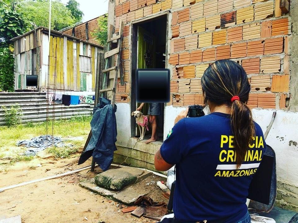 Cadela tem focinho ferido com terçado, e homem é indiciado por maus-tratos a animais em Manaus