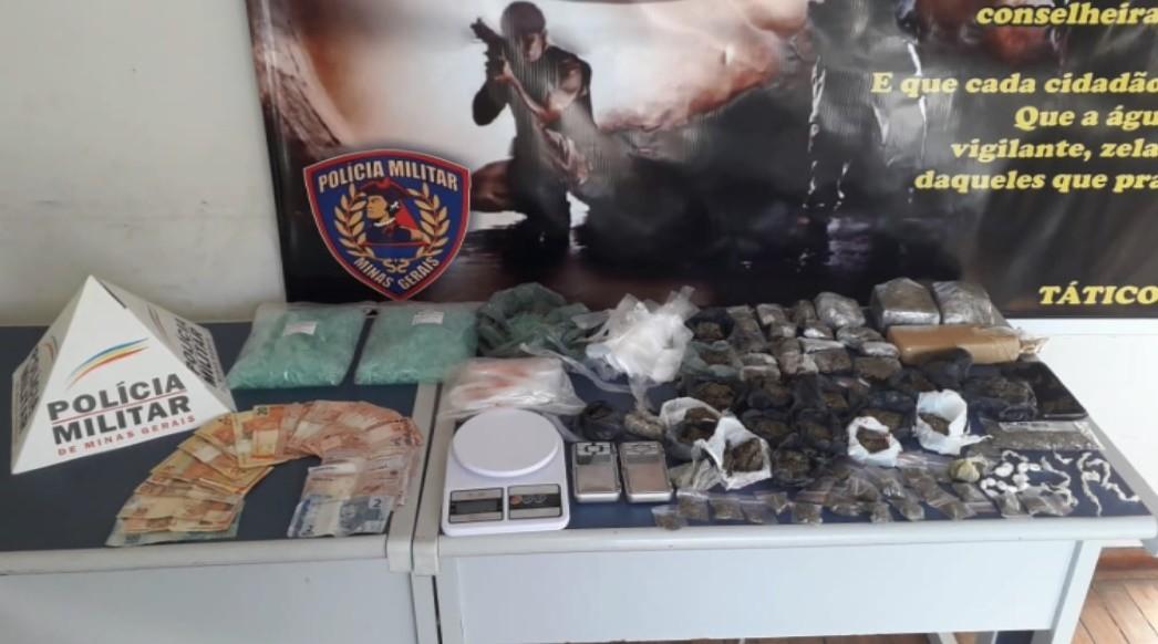Polícia Civil prende dois suspeitos por tráfico e apreende maconha, cocaína e crack em Poços de Caldas