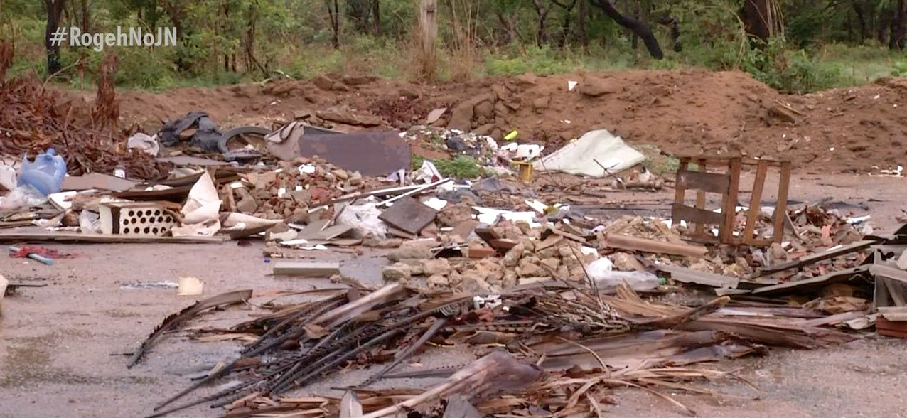Descarte irregular de lixo em quadras de Palmas preocupa moradores e causa riscos para a saúde pública - Notícias - Plantão Diário