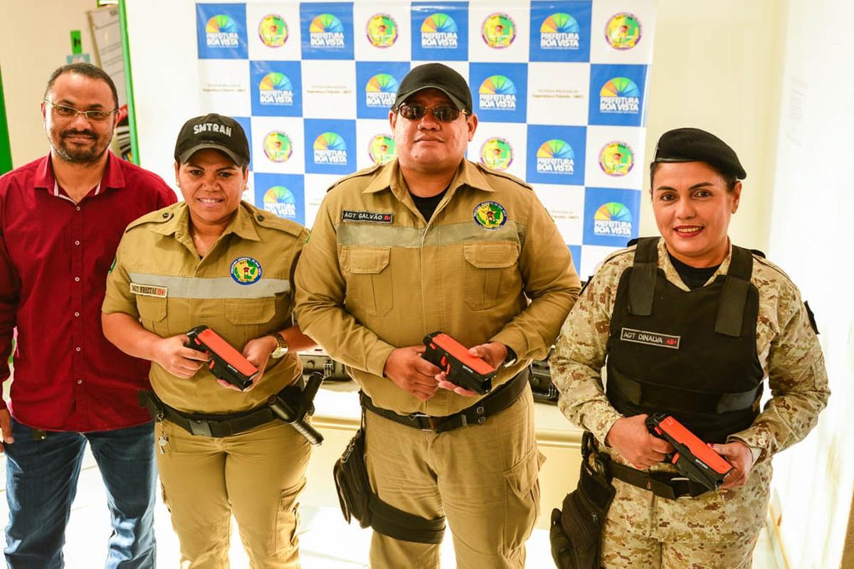 Agentes de trânsito de Boa Vista recebem pistola de choque