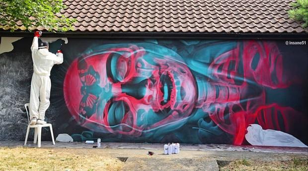 O artista grego Insane 51 faz sucesso com seus murais 3D (Foto: Divulgação)