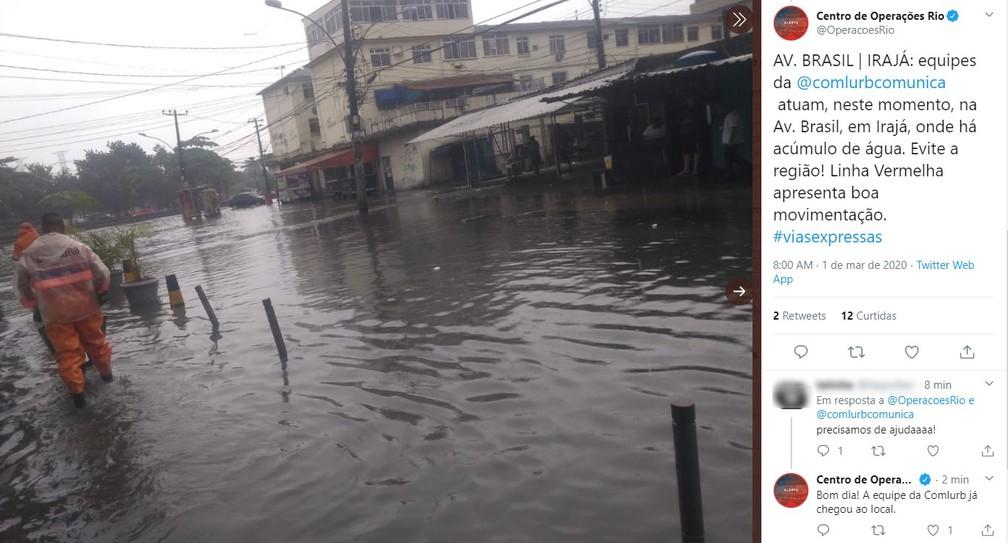 Pela manhã, Avenida Brasil continuava debaixo d'água na altura de Irajá, na Zona Norte da cidade — Foto: Reprodução/Centro de Operações