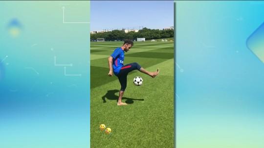 Em recuperação na França, Neymar faz embaixadinhas