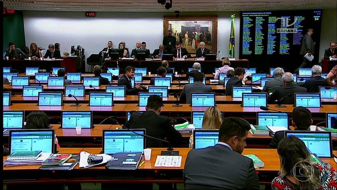 Resultado de imagem para Projeto que aumenta impostos no Piauí é retirado de pauta por deputados estaduais