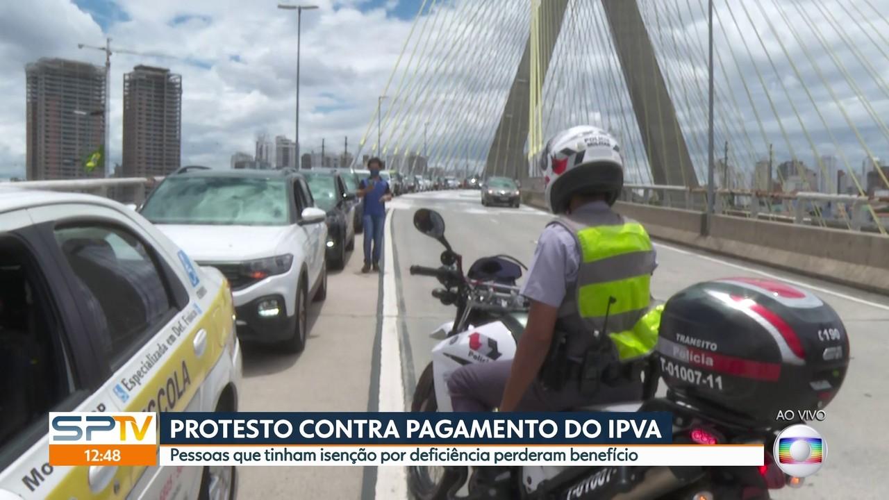 Protesto contra o fim de isenções do IPVA