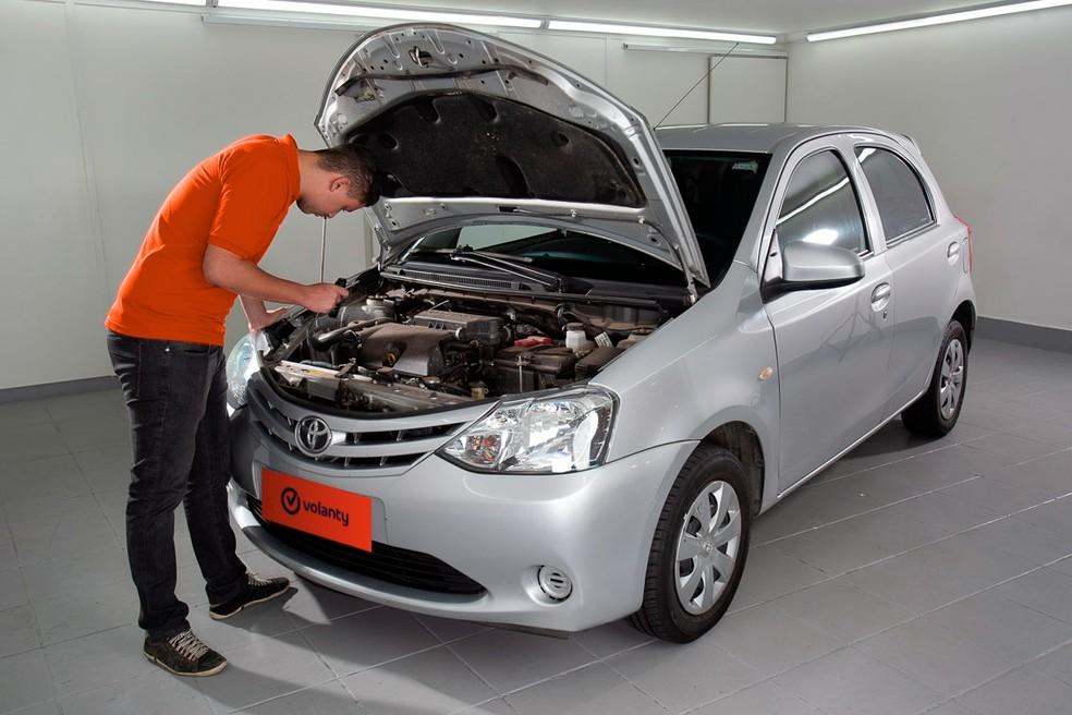 Levar um mecânico para avaliar o carro em questão é uma boa dica — Foto: Divulgação