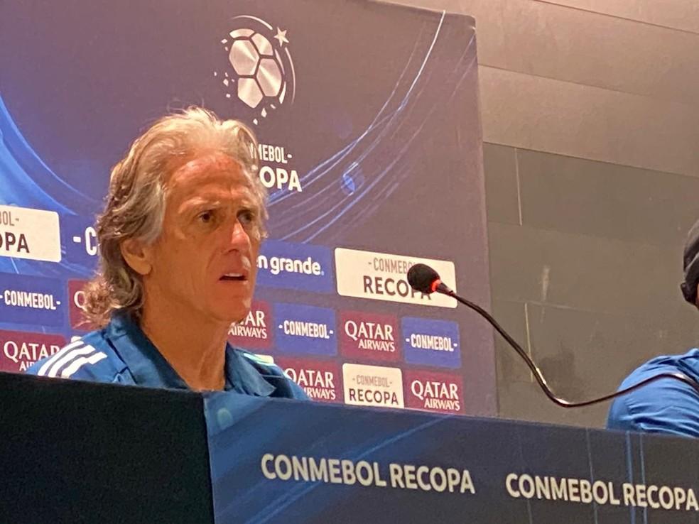 Jorge Jesus, técnico do Flamengo, em entrevista coletiva após o título da Recopa — Foto: Cahê Mota / GloboEsporte.com