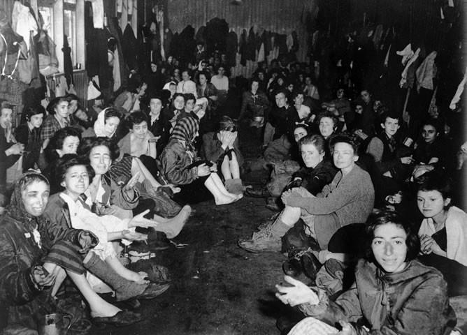 Campo de concentração de Bergen-Belsen (Foto: Anne Frank Org)